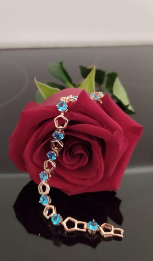 Женский позолоченный браслет с топазом