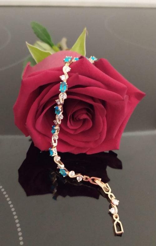 Женский позолоченный браслет с топазами