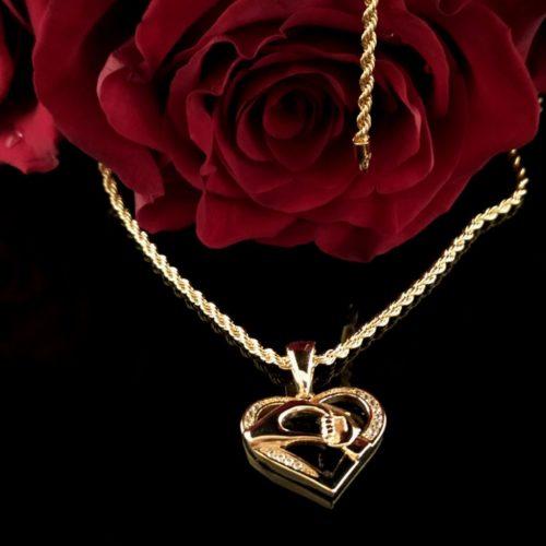 Кулон позолоченный «Женское сердце с фианитами»
