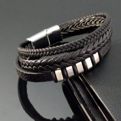 Кожаный браслет тройной плетеный