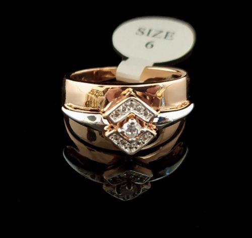 Женское кольцо позолоченное с Фианитом