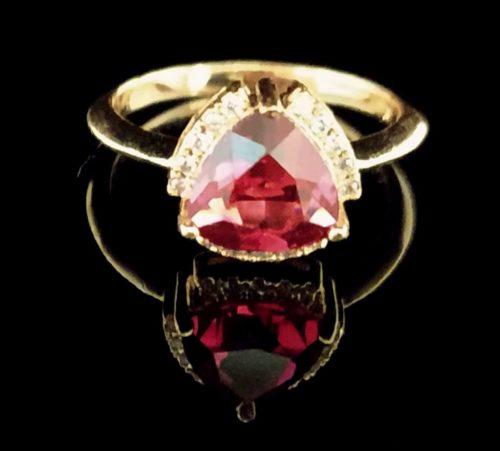 Kольцо позолоченное золото 585 пробы с рубином