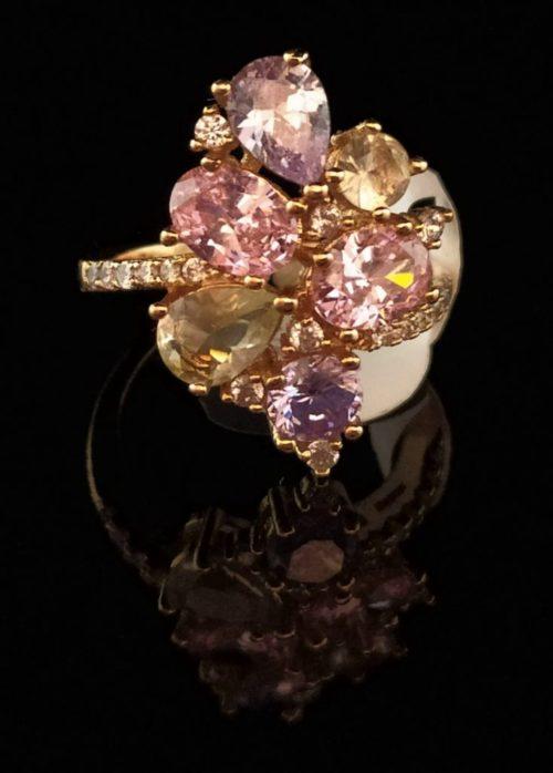 Kольцо позолоченное золото 585 пробы с цирконами