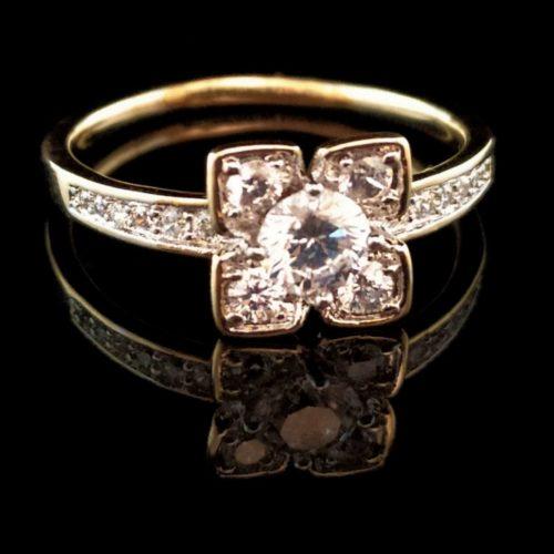 Kольцо позолоченное с алмазом