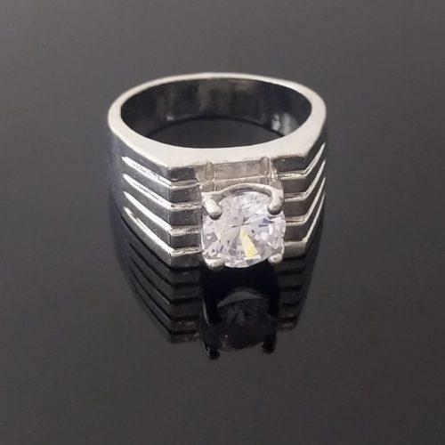 Мужская печатка  из серебра 925пробы с родиевым покрытием